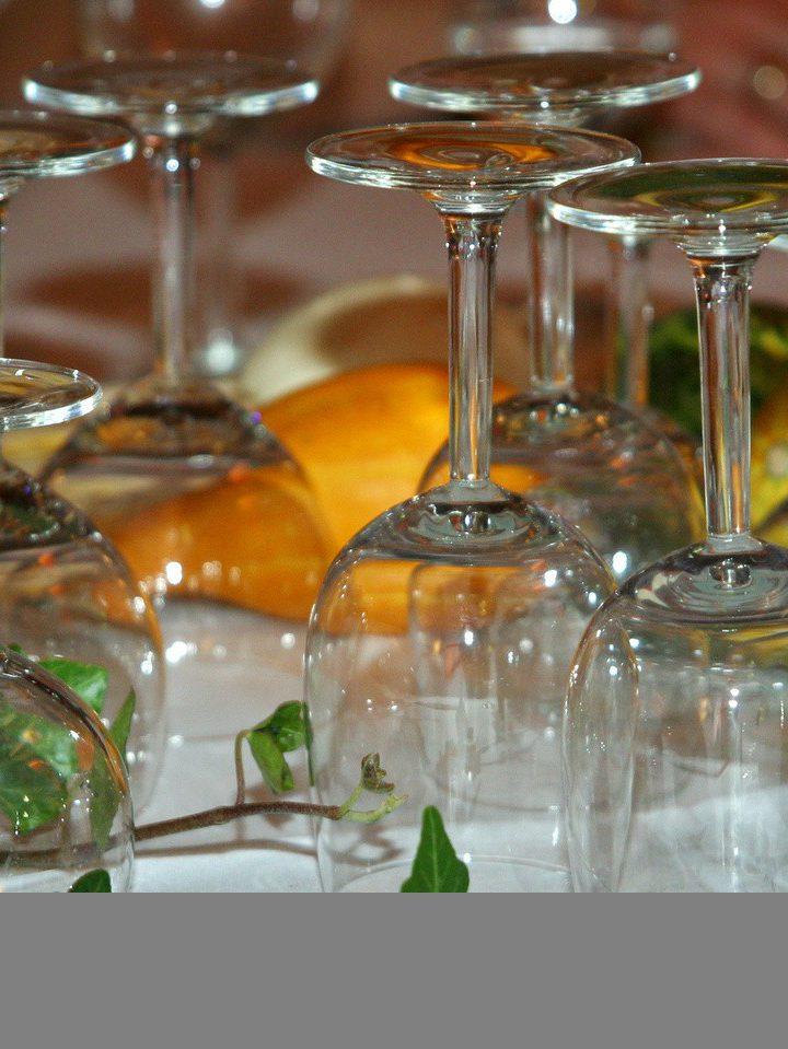 Musujące wino, czyli szampan na przyjęciu