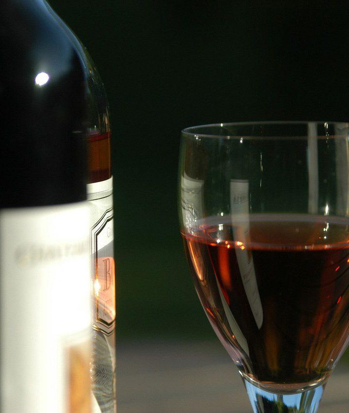 Wilgotność, drgania, ruch – czynniki wpływające na dojrzewanie wina