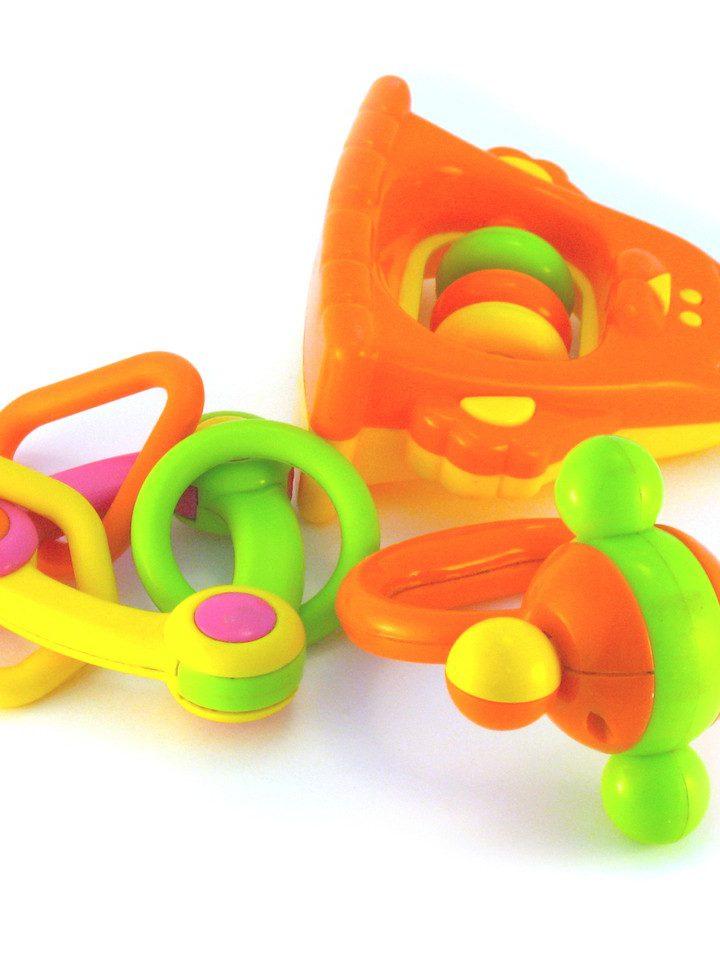 Jak zabawki wpływają na rozwój dziecka?